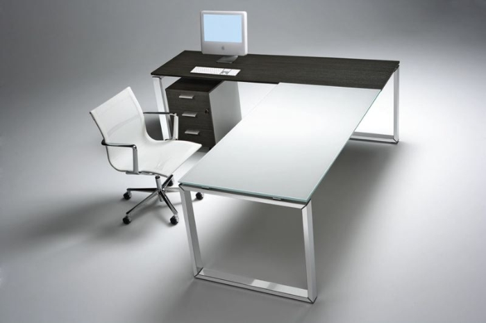 Ufficio Scrivanie Prezzi : Arredi per uffici operativi scrivanie operative con gambe
