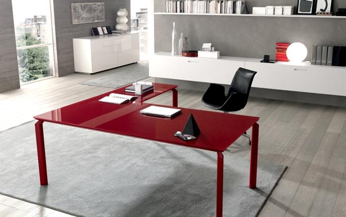 Forniture arredi per uffici direzionali scrivanie e for Scrivanie direzionali di design