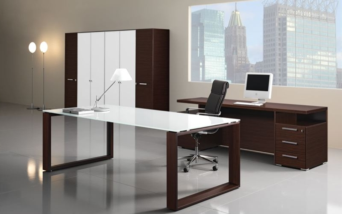 Arredi per uffici direzionali scrivanie direzionali di for Arredamenti roberto nobili