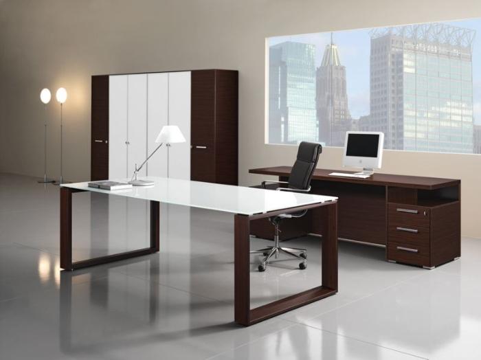 Mobili Per Ufficio Direzionali : Arredi per uffici direzionali. scrivanie direzionali di alto livello