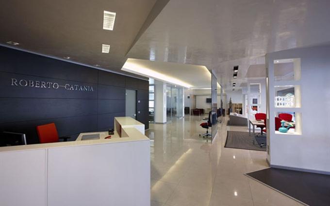 Arredamento Per Ufficio Catania : Reception su misura. banconi e mobili per reception personalizzati