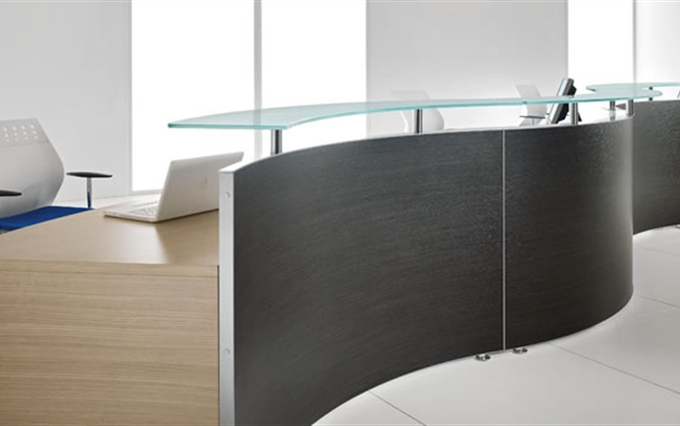 Desk reception d 39 immagine mobili per reception curvi o for Reception ufficio