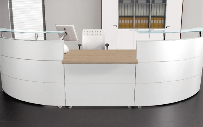 Desk reception d 39 immagine mobili per reception curvi o for Mobili per reception