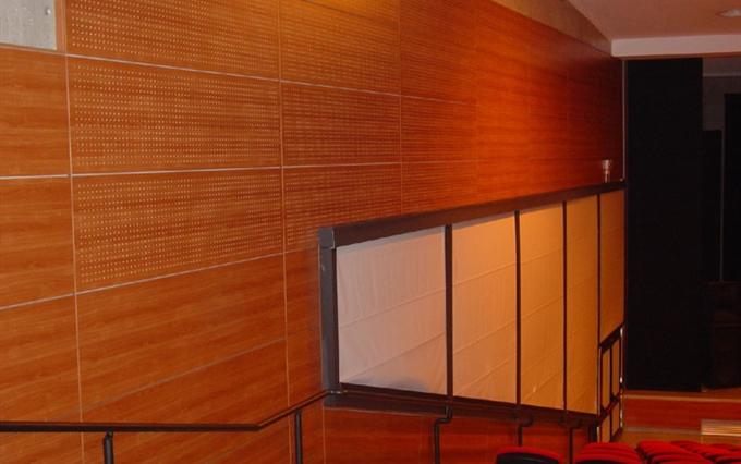 Pareti Attrezzate Classiche Con Boiserie : Boiserie falegnameria catania rivestimenti in legno su
