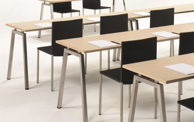 Tavoli pieghevoli per riunioni. Tavoli per sala corsi, tavoli per ...