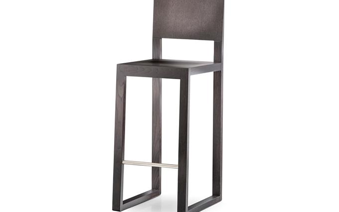 Sgabelli in legno massello a milano lodi. vendita sgabelli e sedie