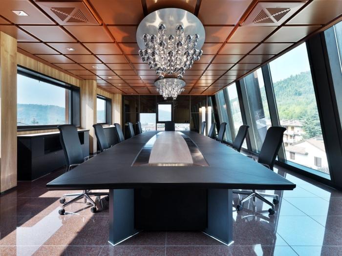 Arredo Ufficio Legno Massello : Fornitura tavoli tecno per riunioni. tavoli per sale meeting in