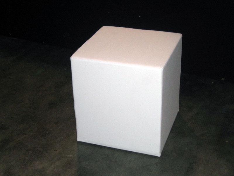Noleggio arredi per stand e fiere sedie sgabelli tavoli