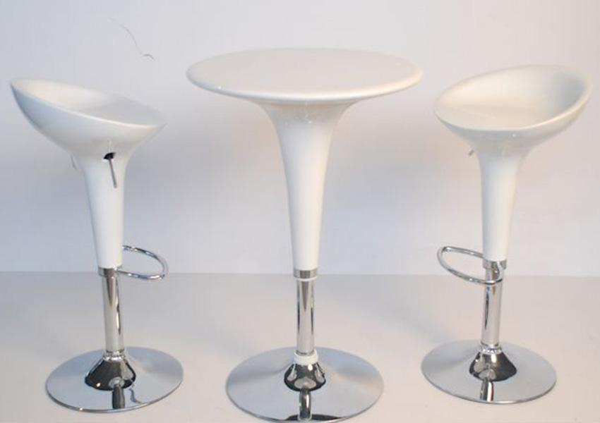 Noleggio arredi per stand e fiere sedie sgabelli tavoli poltrone